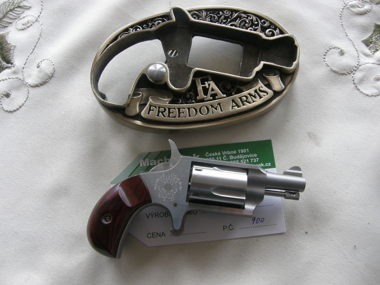 Revolver Freedom Arms mini v.č.78873 r. 22 LR.
