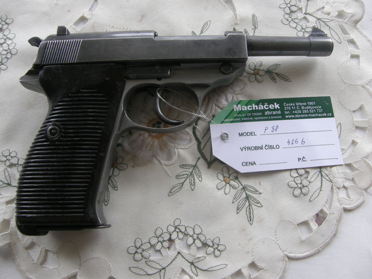 Pistole P 38 Walther v.č. 426 B r. mm Luger