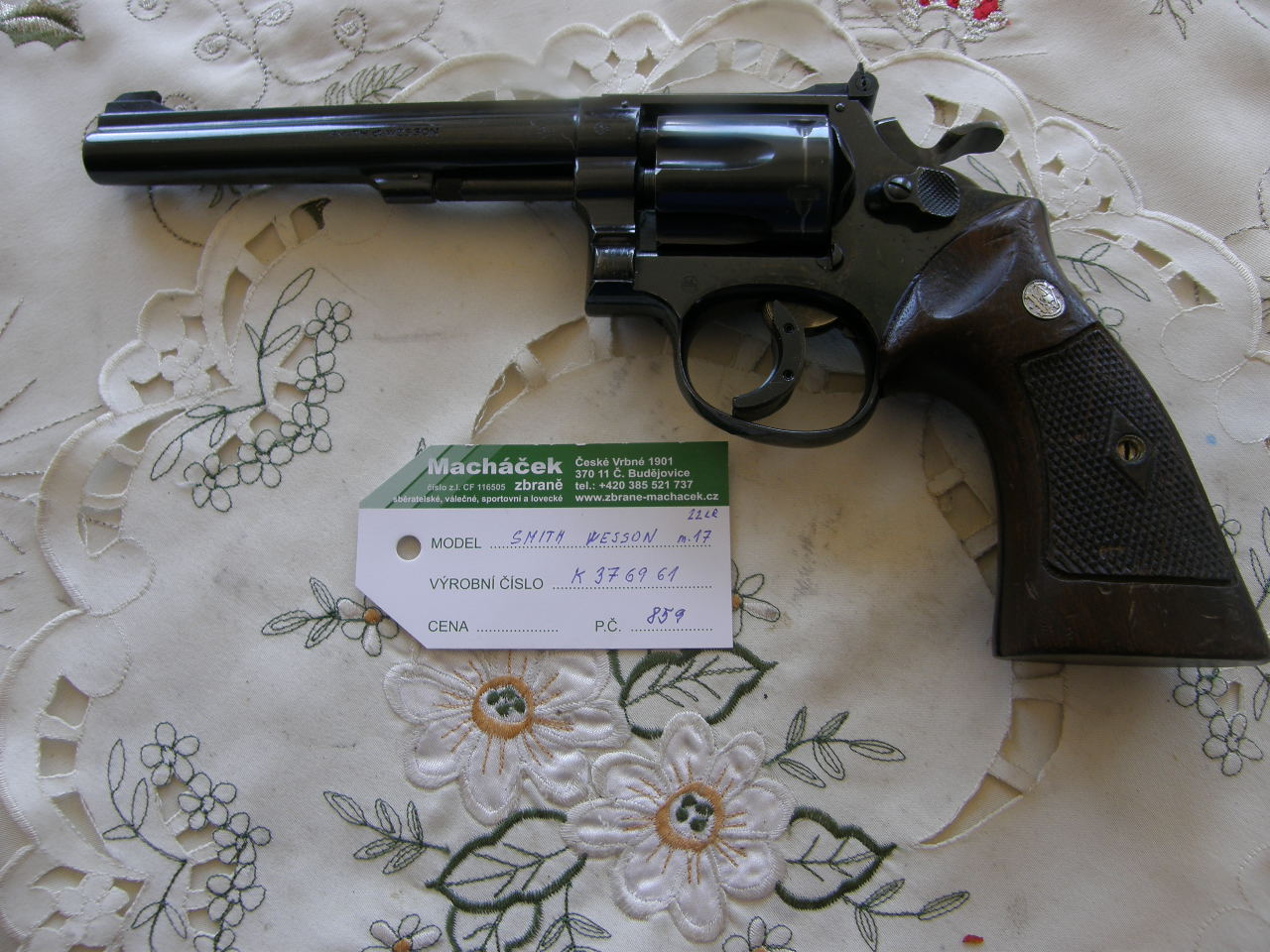 Revolver Smith Wesson Mod. 17-2 v.č. K 376961 r. 22 LR.