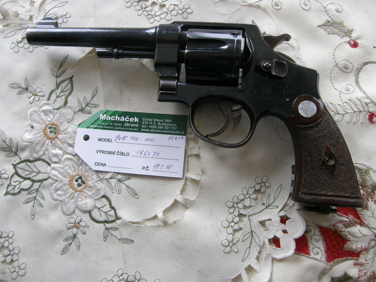 Revolver Smith Wesson DA v.č. 186775 Mod. 1937 r. 45