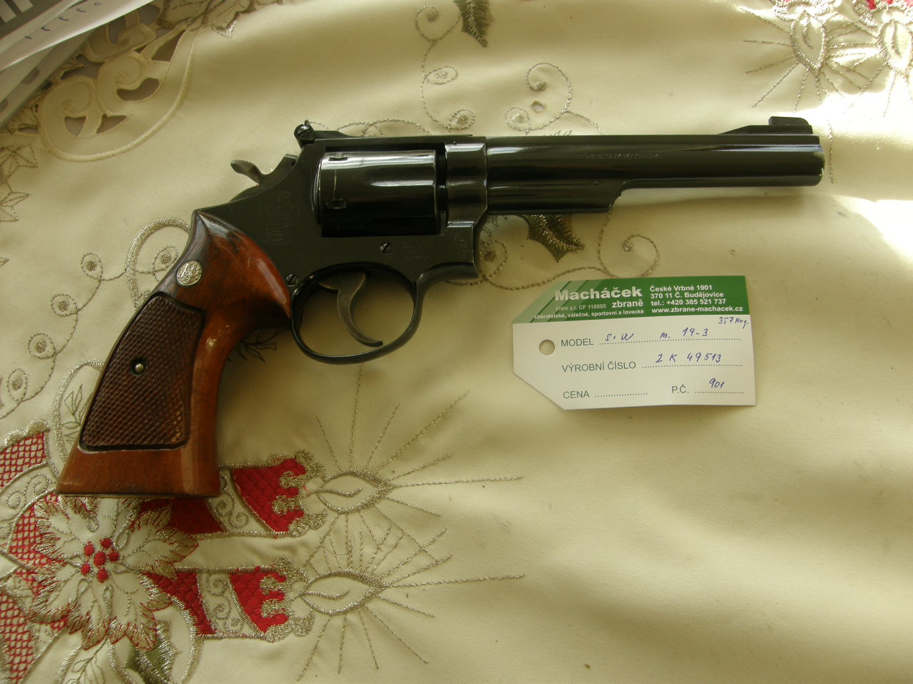 Revolver Smith Wesson Md. 19-3 v.č.2K49513 r. 357 Mag.