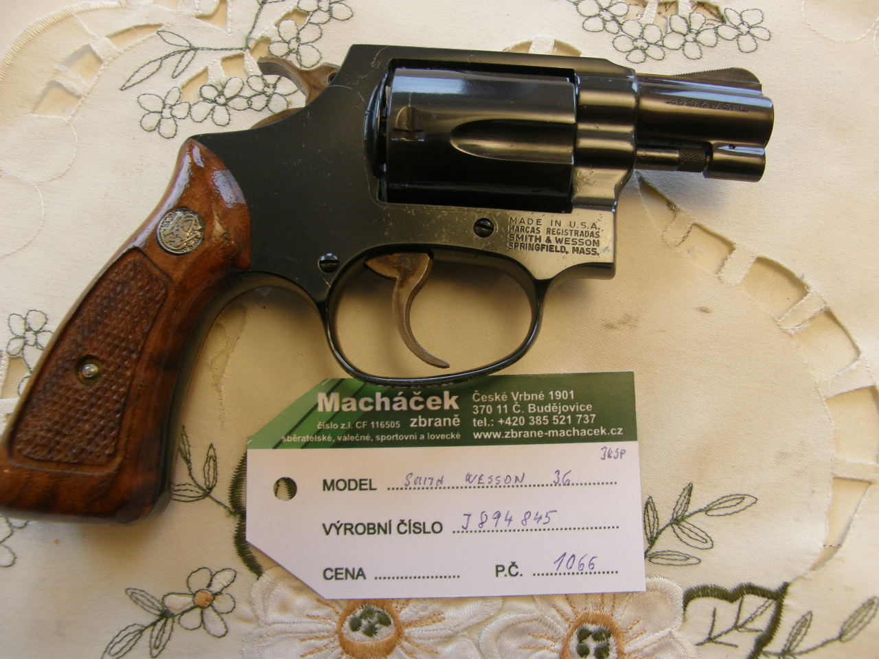 Revolver Smith Wesson Mod. 36 v.č.J884845 r. 38