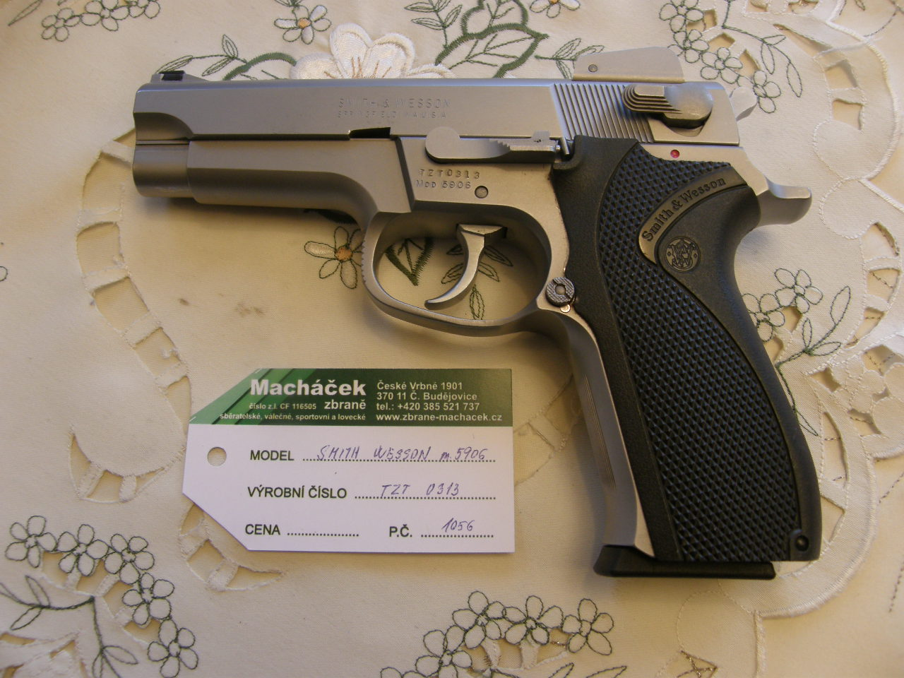 Pistole Smith Wesson Mod. 5906 v.č.TZT 3013 r. 9 mm Luger