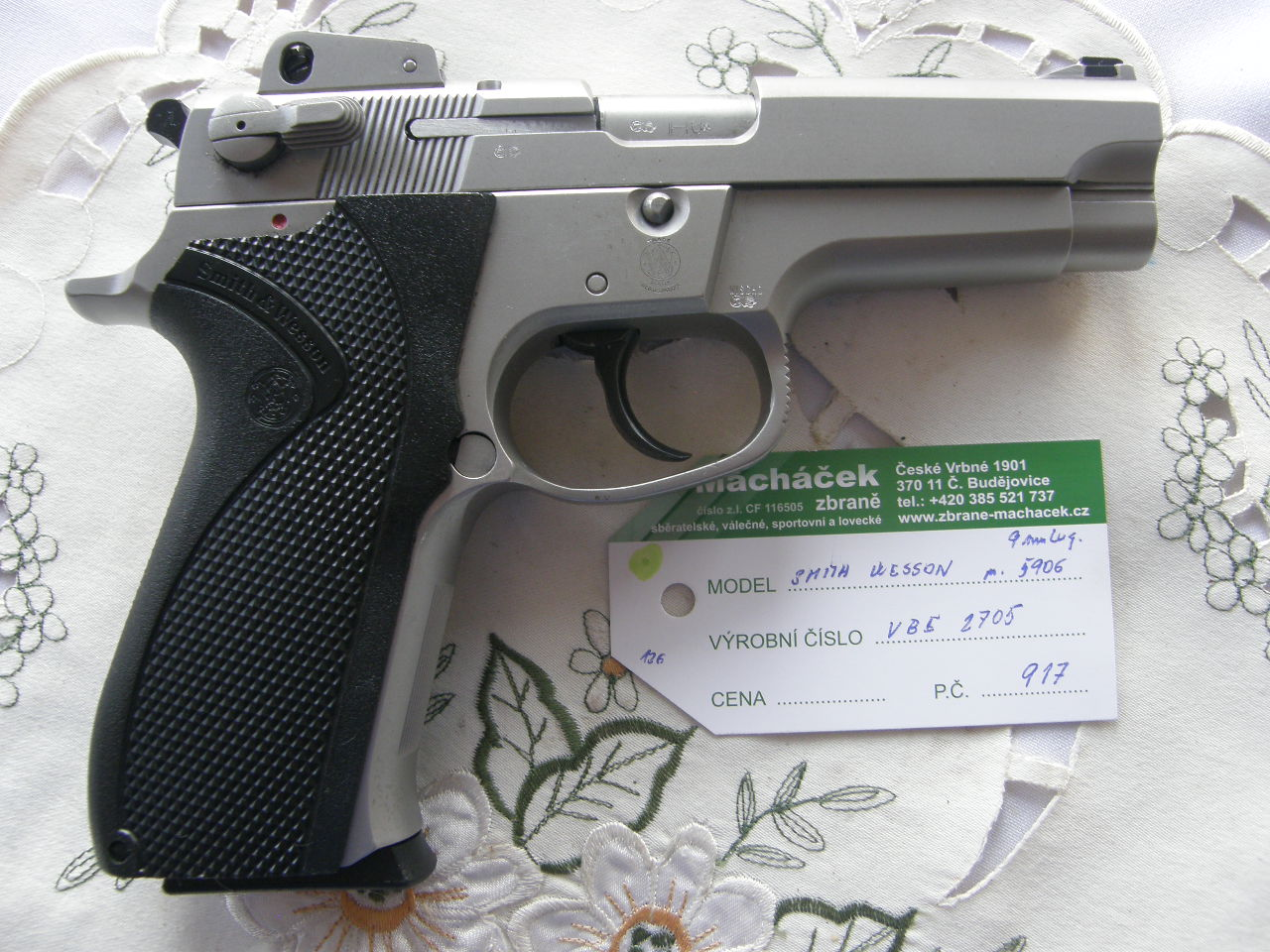 Pistole Smith Wesson Mod. 5906 v.č.VBE 2705 r. 9 mm Luger