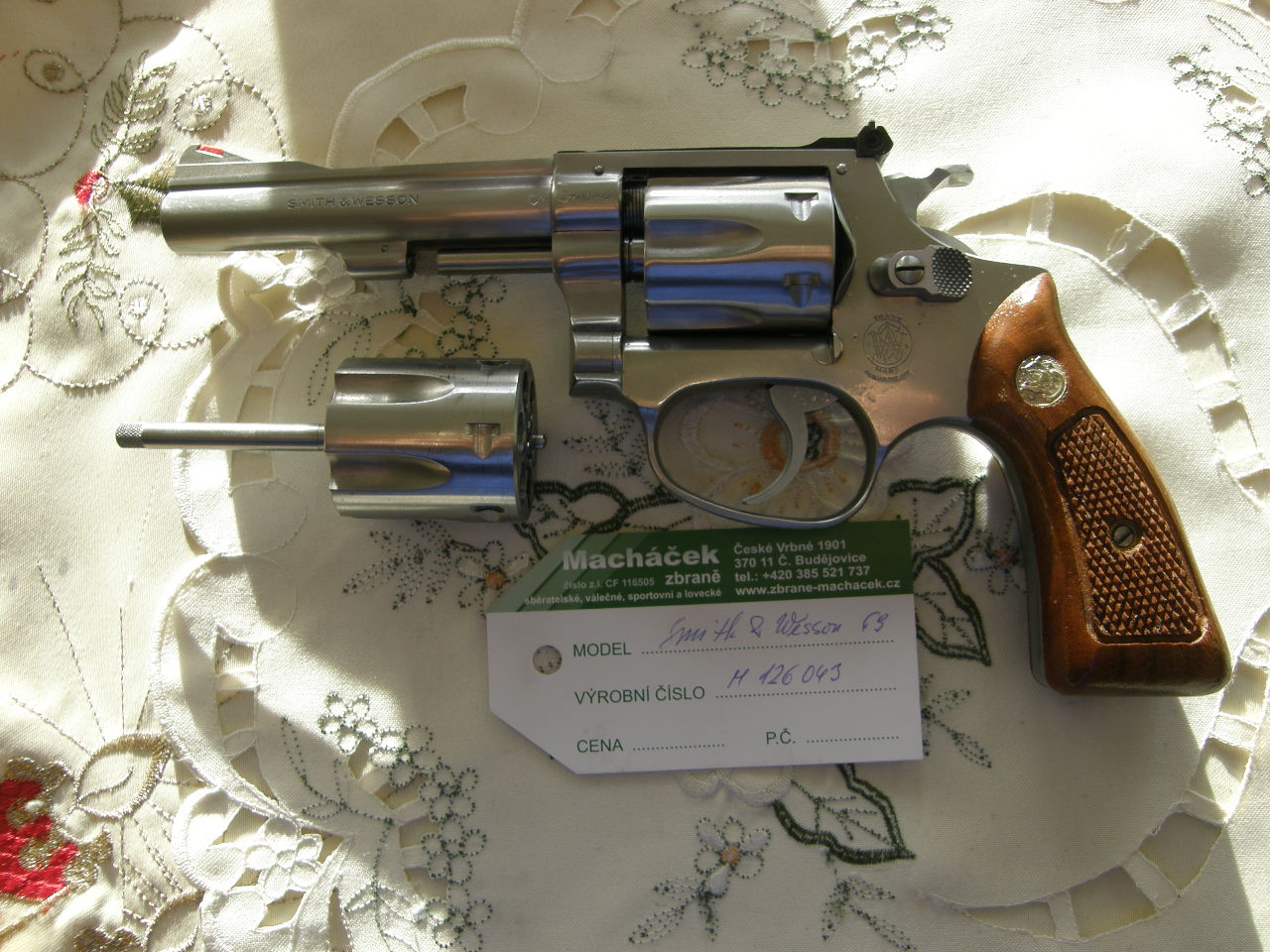 Revolver Smith Wesson Mod 63 v.č. M 126043 r. 22 LR
