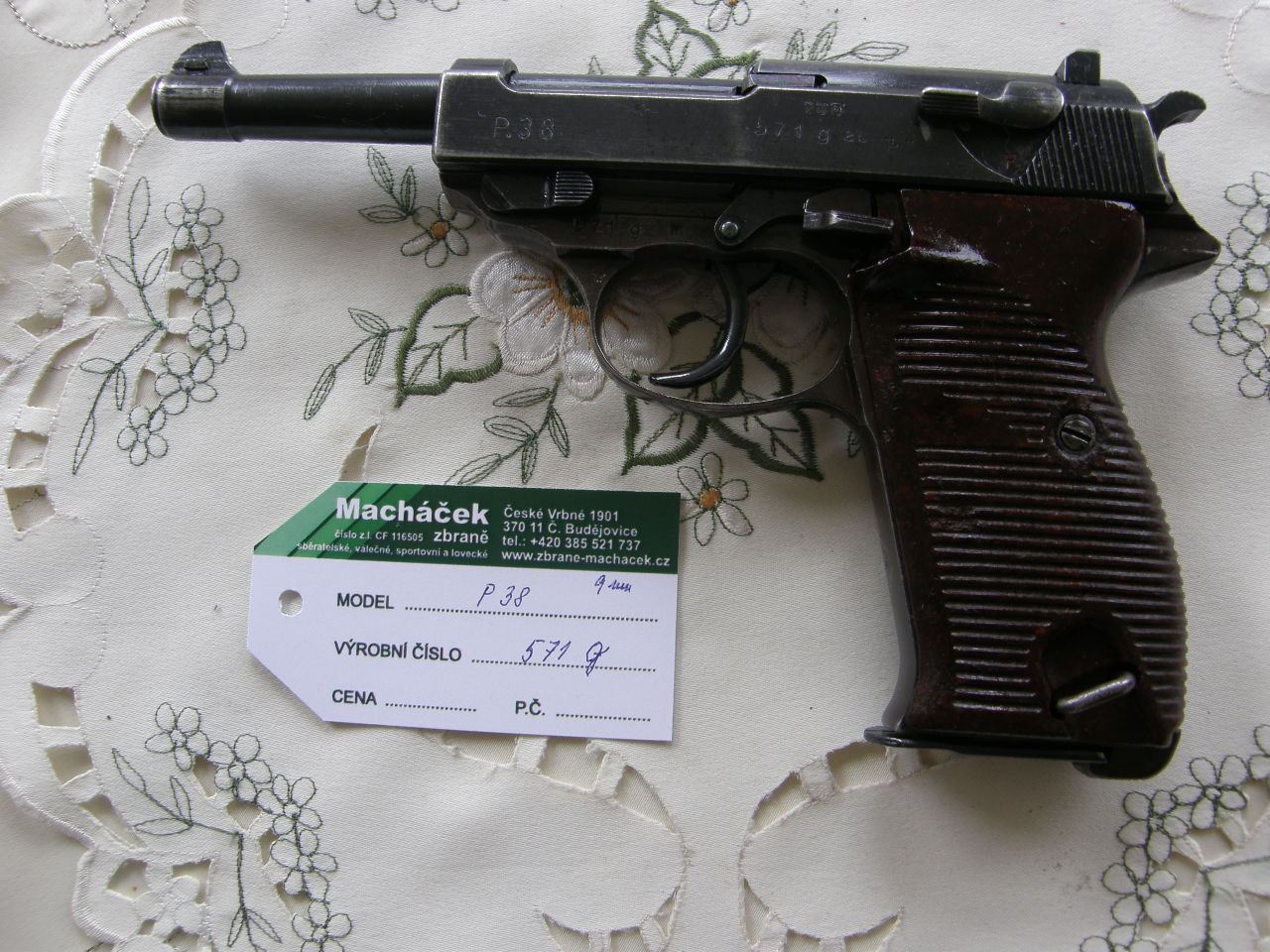 Pistole P 38 Walther v.č. 517 g r. 9 mm Luger
